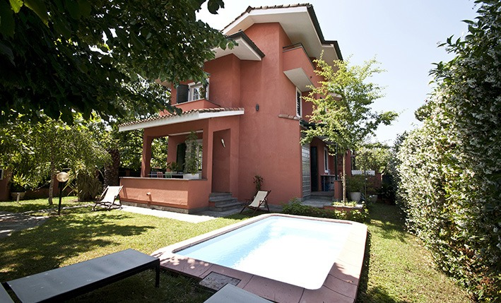 Swimming pool, Villa Angela, one of the villas you can rent from Glesus, Wedding & Travel Services in Italy
