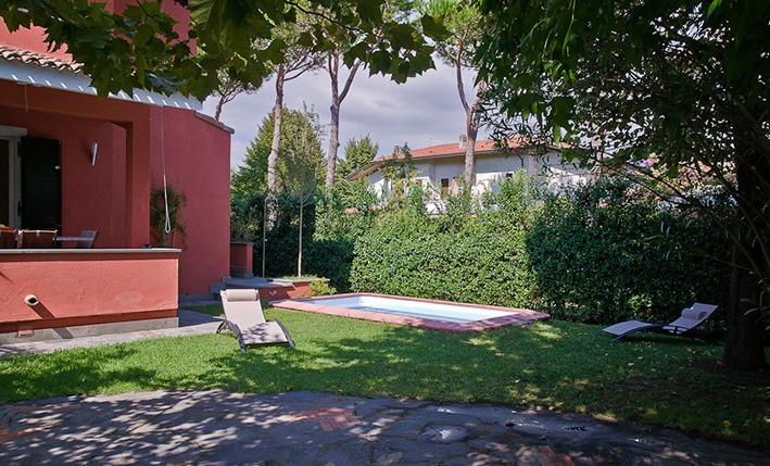 The garden, Villa Angela, one of the villas you can rent from Glesus, Wedding & Travel Services in Italy